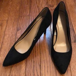 "Black ""a new day"" Pointed Pump Size 9.5"